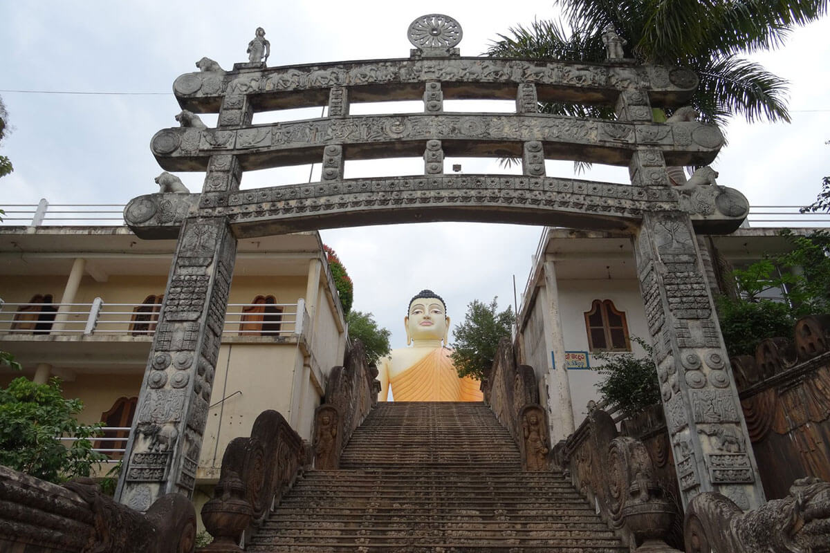 Kande Viharaye temple