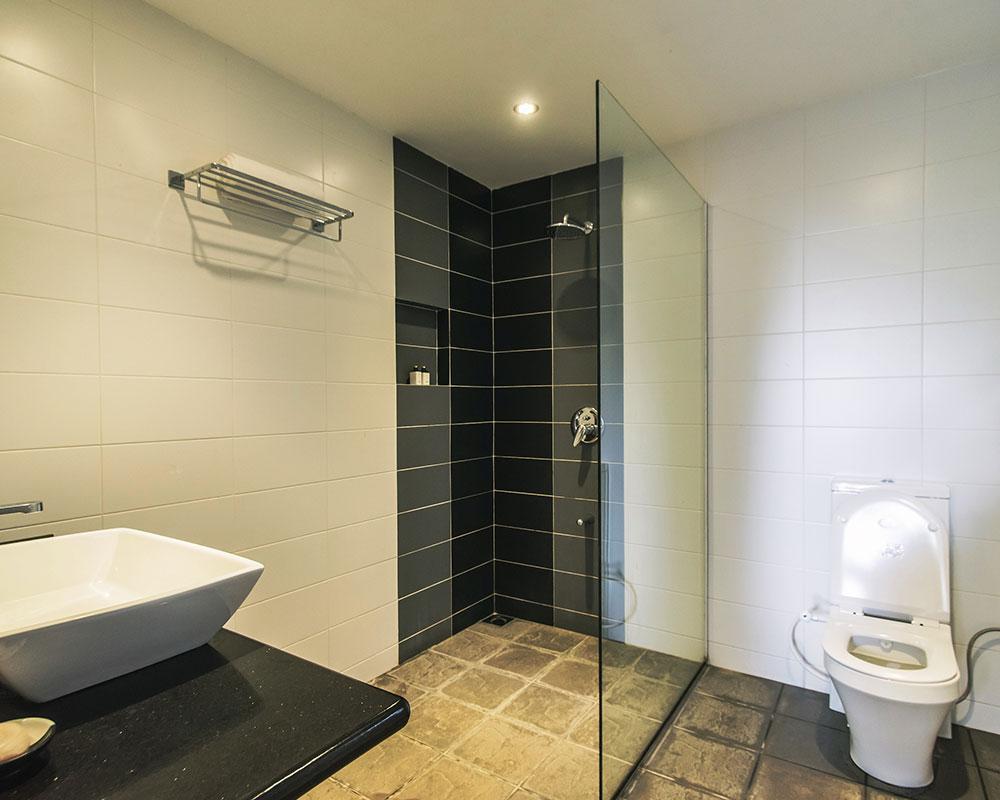 Serendipity_Hotels_luxury bathroom facilities at villa thuya